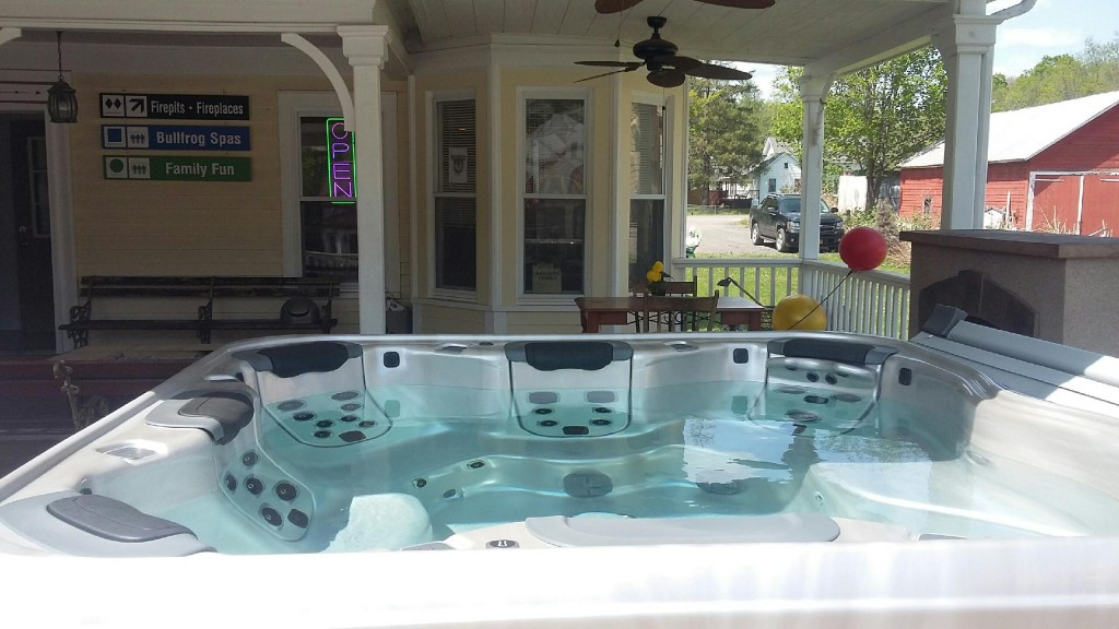 Best Hot Tubs (Windham/NY):