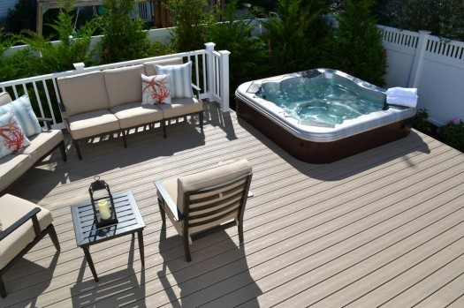 Instant Privacy Decks : Project showcase making the most of a very small backyard
