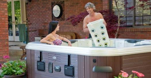Hot Tub Massage Jets: Bullfrog Spas' JetPak system allows you to personalize the hydrotherapy you want at any time by changing your JetPak quickly and easily.