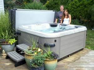 Hot Tubs Are a Fun Outdoor Living Amenity