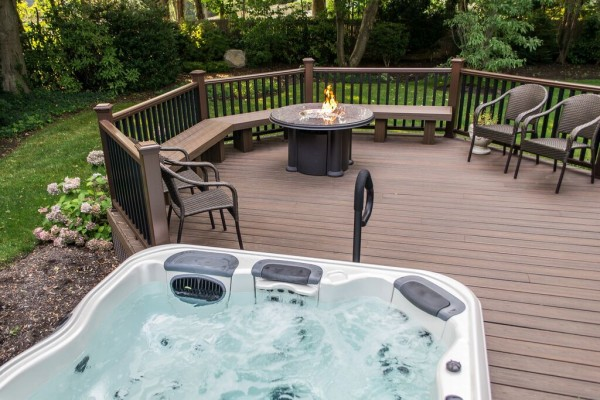 HotTub Deck (Long Island/NY):