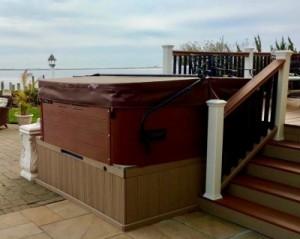Spa Mount Brings Spa Up to Deck