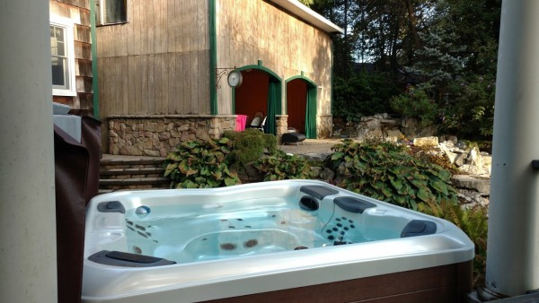 As for maintenance, our staff at Best Hot Tubs (Westbury, Farmingdale, Windham, NY) can give you a quick tutorial on how to keep your spa water clear, sparkling, and odorless. Our teams also do regular maintenance for those who wish it in order to keep water pristine. For example, this photo is of a Bullfrog Spa that we maintain regularly in the Huntington, NY area.