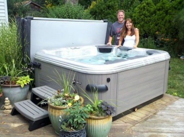 Hot Tub Cover Provides Privacy (Long Island/NY):