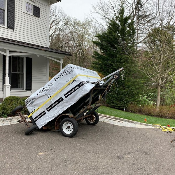 Hot Tub Delivery to Cos Cob, Connecticut: